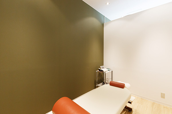 電気治療スペース